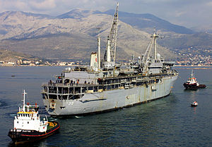 USS Emory S. Land (AS-39).jpg
