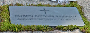 Gravestone for Patrick Bouvier Kennedy in Arlington National Cemetery.jpg