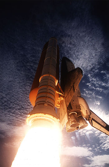 951020 STS73 Columbia launch.jpg