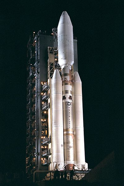 File:Titan4B on Launch Complex 40.jpg