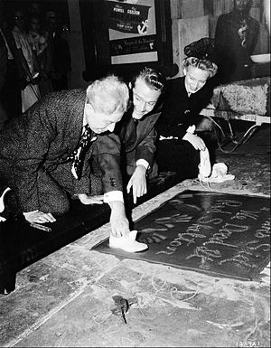 Skelton's imprint ceremony at Grauman's Chinese Theatre, 1942