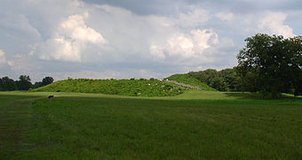 Angel mound with turret HRoe 2008.jpg